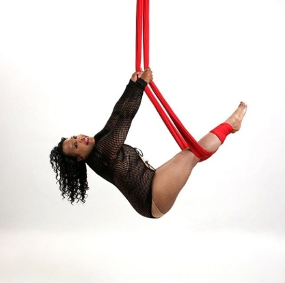 Lea Walker of Aeriform Arts. Photo by Poleagraphy.